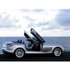 Hi-Res Car Elegance: Marcedes Benz Car Wallpaper